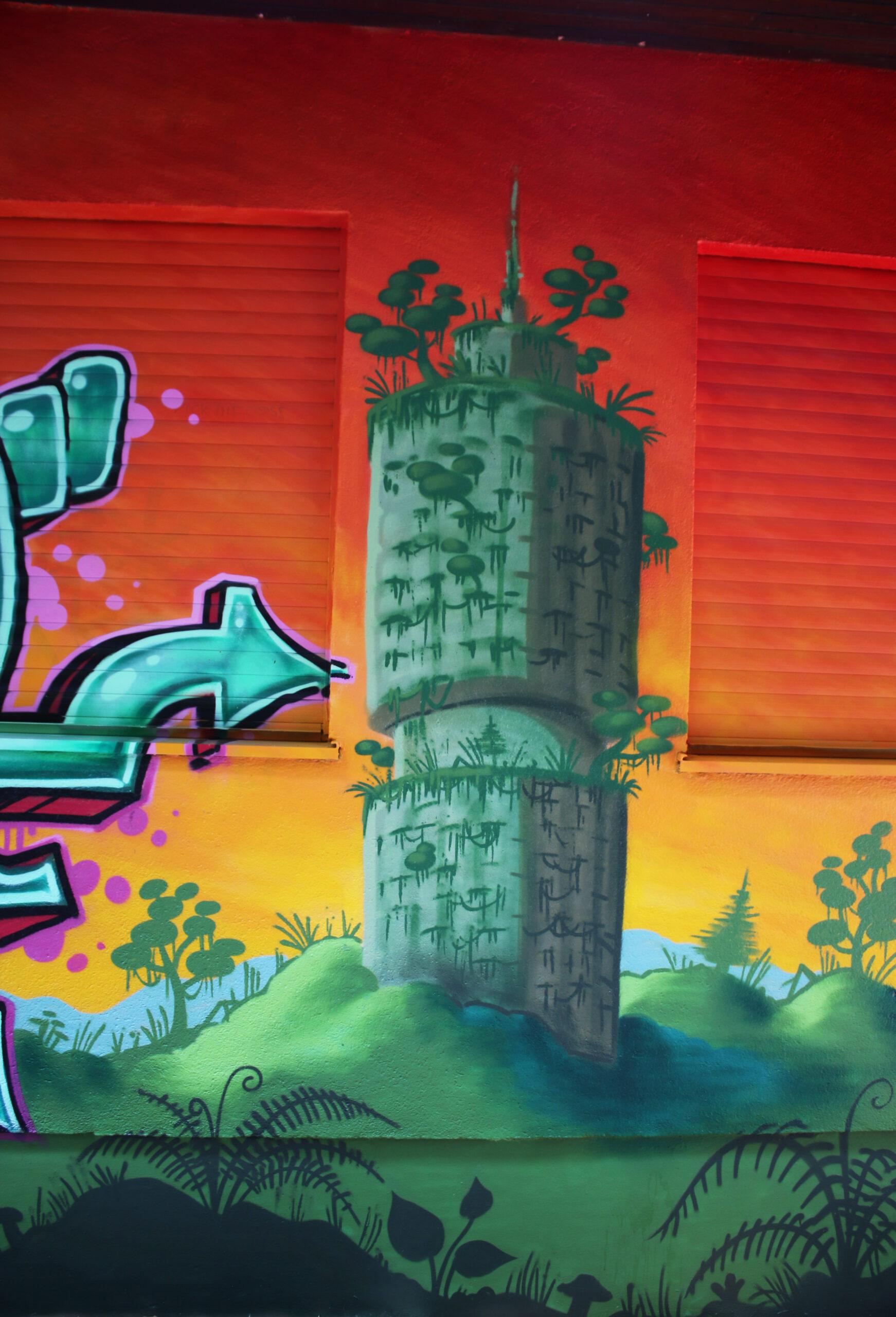 hotelturm augsburg jungle ruin ruine graffiti mural louzeh lou zeh